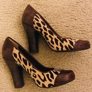 NWOB - Fossil Brown Leopard Heels in 6.5